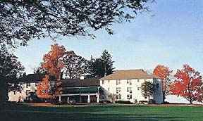 Delaware Water Gap Country Club Bed and Breakfast Long shot Photo